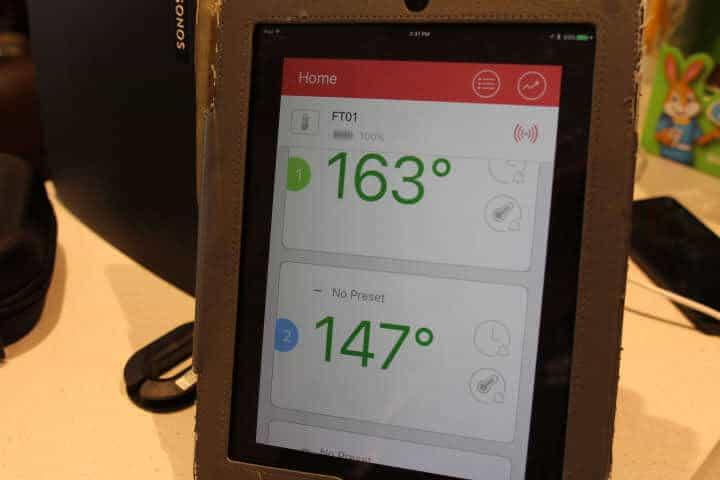 Turkey Breast temperature measuring 163 degrees Fahrenheit and the tureky thigh temperature measuring 147 degrees Fahrenheit on the Tenergy Solis Meat Thermometer App