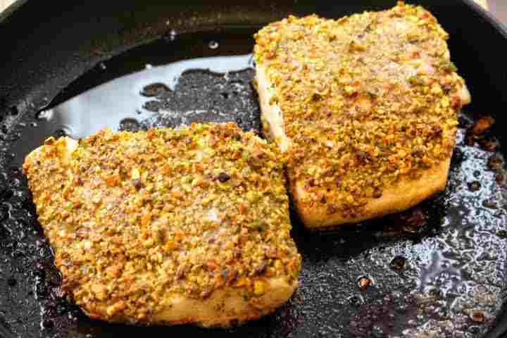 Pan-fried Halibut fillets with a pistachio crust