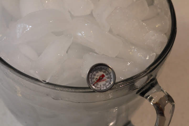 Calibrating an analog thermometer in ice