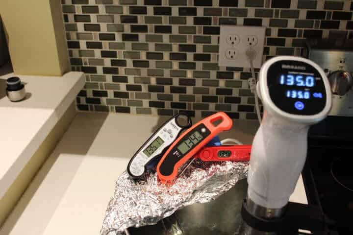 Testing the accuracy and response time of the Kizen Instant Read Meat Thermometer in a water bath