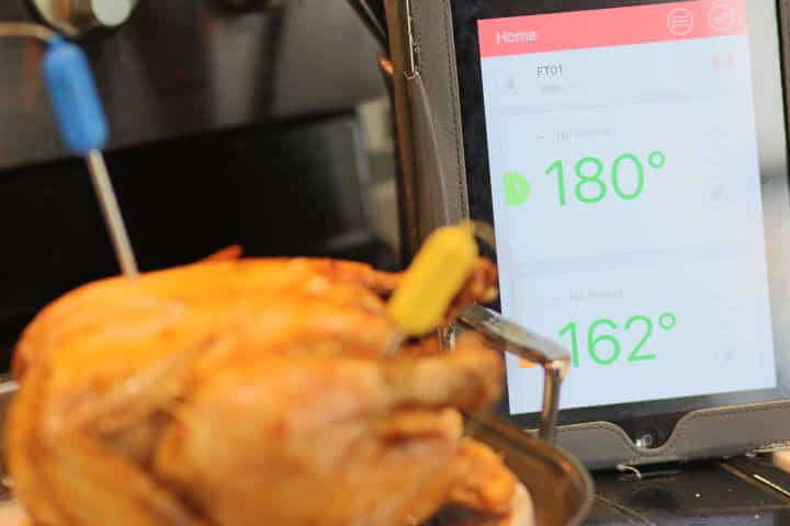 Monitoring the temperature of chicken breasts and chicken thighs simultaneously