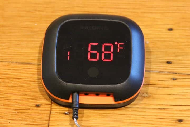 Showing the rotating screen of the Inkbird thermometer