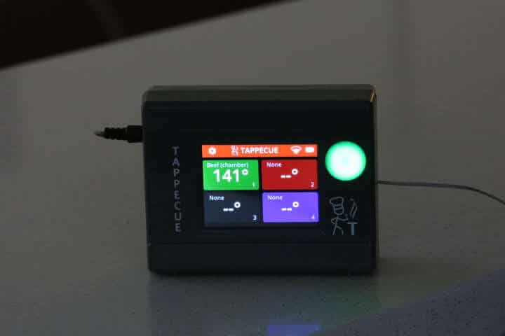 The Tappecue Touch's screen is easily seen in the dark.