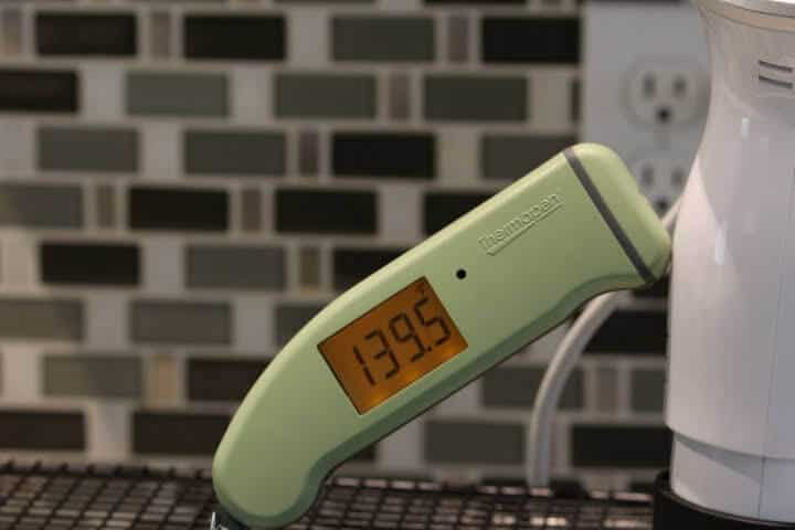 Thermapen MK4 with display to the right.