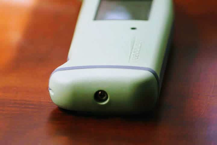 The end of the Thermapen MK4 has a screw-down gasket seal to protect the inside from water.