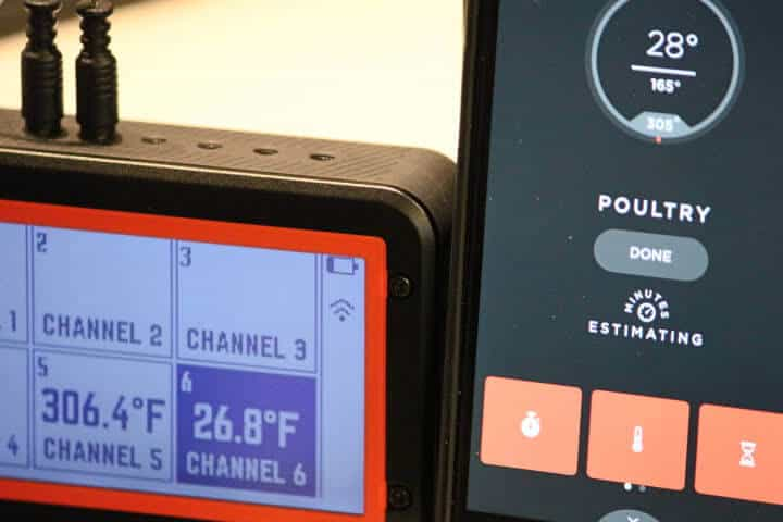 The Lavatools Carbon Lite app (on the right) displaying similar cooking temperatures to high-end thermometer.