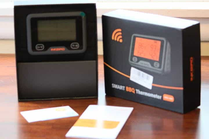 Inkbird IBBW-4BW in its box with user's manual and warranty card
