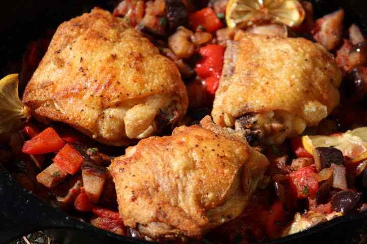 Cast iron chicken thighs with samfaina